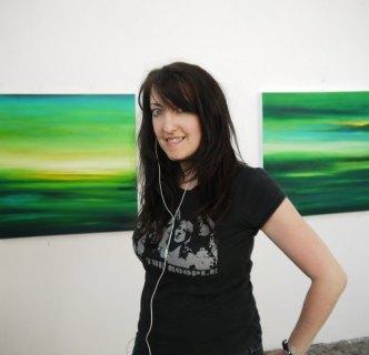 Julia Everett artist