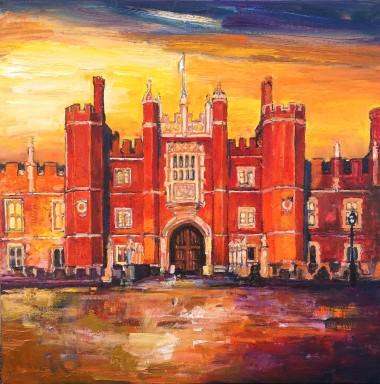 Main Hampton Court