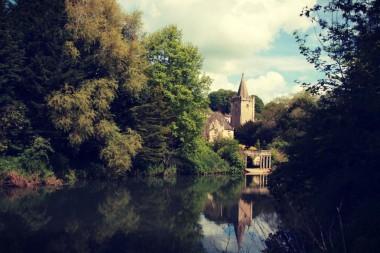 Photograph taken along the River Avon just outside Bradford-On-Avon, Somerset.