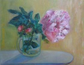 Pink Peony in glass full view