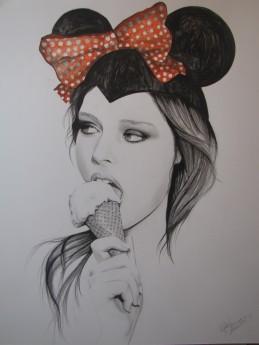"""Minnie Mouse Eats Ice Cream"""